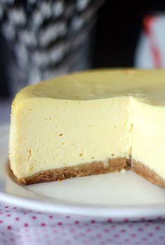 Ikiklassikko: New Yorkin juustokakku Cheesecake, Bakery, Deserts, Food And Drink, Sweets, New York, Drinks, Cooking, Eat