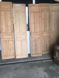 Puertas interior pino melis. Old French Doors, Ibiza, Oak Front Door, French Kitchen Decor, Mix Use Building, Exterior Color Schemes, Vintage Interior Design, Oak Doors, Internal Doors