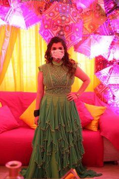 Home Wedding, Bridal Portraits, Diy Stuff, Indian Bridal, Celebrity Weddings, Masks, Bride, Gallery, Celebrities