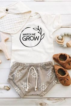 Watch Me Grow, Gender Neutral Coming Home Outfit, Organic Baby Outfit, Baby Clothes, Cute Baby Outfits, Gender Neutral Baby Shower Gift #baby #ad #babyoutfit #genderneutralbabyclothes