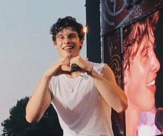 Find images and videos about shawn mendes on We Heart It - the app to get lost in what you love. Bae, Shawn Mendas, Mendes Army, Chon Mendes, Shawn Mendes Wallpaper, Future Husband, Fangirl, Boyfriend, Handsome