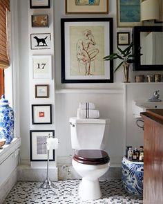 Home Decor Inspiration Alex Reid's Top-Floor Hideaway in a Greenwich Village Townhouse Bathroom Inspiration, Interior Inspiration, Bathroom Inspo, Bathroom Ideas, Bathroom Wall Decor, Room Decor, Eclectic Bathroom, Bathroom Artwork, Rental Bathroom