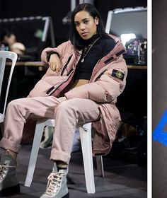 at Paris Fashion Week in 70223 Garment Dyed Crinkle Reps NY Down jacket, and the upcoming x Hiking Boot. Urban Fashion, 90s Fashion, Fashion Looks, Fashion Outfits, Dope Outfits, Minimal Fashion, Paris Fashion, Sergio Tacchini, Island Outfit