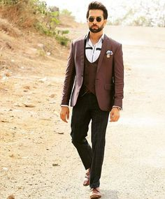 new picture I can stare at it all day! Nakul Mehta, Wedding Sherwani, Mr Perfect, Handsome Actors, Tv Actors, Mens Fashion, Fashion Outfits, Black Suits, Bollywood Actors