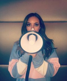 #ShoutOutToMyEx is out now! Not too late to buy on @iTunes & get it to UK #1 this week  Fingers crossed! xjadex