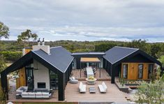 We recently partnered with Channel Love Shack. This season featured Dee .We recently partnered with Channel Love Shack. This season featured Dee and Darren Jolly's stunning rural retreat on the Mornington Peninsula. Roof Cladding, House Cladding, Cedar Cladding, Modern Barn House, Modern House Design, Rural House, Modern Farmhouse Exterior, Shed Homes, Exterior Design