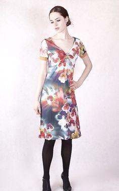 Kleider - NARA Geblümtes Sommerkleid  - ein Designerstück von Berlinerfashion bei DaWanda