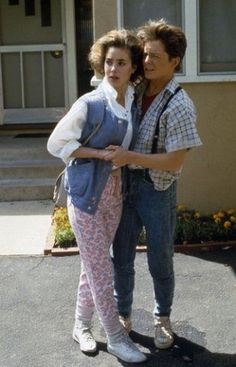 Michael Fox and Claudia Wells - Michael J. Fox and Claudia Wells in Back to the Future Back To The Future Party, The Future Movie, 80s Costume, Couple Halloween Costumes, Halloween Makeup, Costume Ideas, Claudia Wells, 80s Party Outfits, Retro Outfits