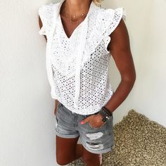 "4,494 mentions J'aime, 49 commentaires - Anne-So - Instagrameuse (@banso73) sur Instagram : ""Yesterday #outfitpost #casualstyle #igers#summerlook Blouse#modeinelo Short#zara #zaradaily…"""