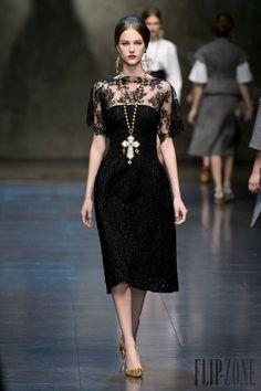 Dolce & Gabbana - Ready-to-Wear - Fall-winter 2013-2014 - http://www.flip-zone.net/fashion/ready-to-wear/fashion-houses-42/dolce-gabbana-3603 - ©PixelFormula