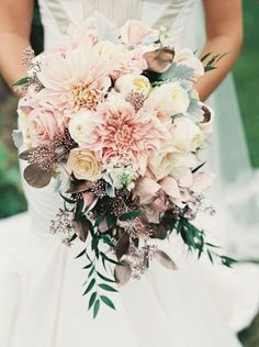 Eye-popping Bouquet Ideas for Your Spring Wedding-2