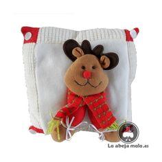 Cojin Navidad Reno, Christmas Stockings, Xmas, Teddy Bear, Pillows, Holiday Decor, Crochet, Crafts, Animals