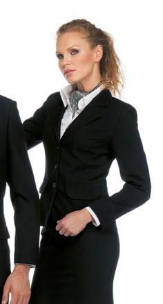 Giacca da donna con collo a V in dacron con quattro bottoni. Tessuto 100% poliestere. Disponibile nelle taglie XS-XXL (40/58) e nei colori: ROSSO, BIANCO, VERDE, NERO, BLU NOTTE, PANNA, GRIGIO CHIARO.