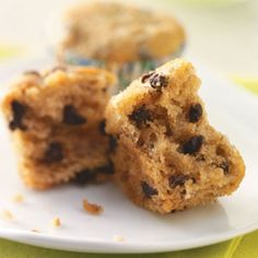 Monkey Muffins Recipe -These bite-sized mini muffins will be a favorite with your family and friends—or anyone who loves bananas, peanut butter and chocolate! It's also a good way to use up overripe bananas. Muffin Recipes, Bread Recipes, Breakfast Recipes, Dessert Recipes, Breakfast Muffins, Breakfast Potatoes, Banana Recipes, Breakfast Casserole, Chocolate Chip Muffins
