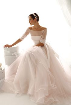 Brides: Le Spose di Giò. Three quarter sleeves, chiffon top, on full ballerina skirt.