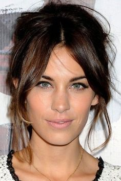alexa chung// loose pinned curls up with natural makeup
