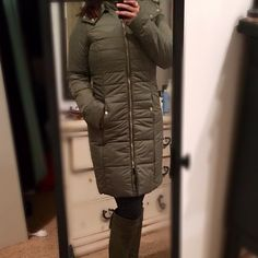 ✨Down $24 til midnight✨EXPRESS Staple  Puffer Coat Brand new with tags! Olive green puffer coat with Gold hardware removable faux fur hood, super warm! *SALE TIL MIDNIGHT* Price is firm and cannot be bundled at this price. Please use buy now feature. Thank you!  Express Jackets & Coats Puffers
