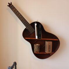Tablette de rangement en guitare
