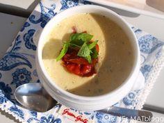 I grønnsaksdisken er den norske squashen ekstra fristende om dagen, og det må en utnytte. Om du tilsetter eple, løk, gulrøtter og andre godsaker, blir det en velsmakende, mettende og ganske så sunn…