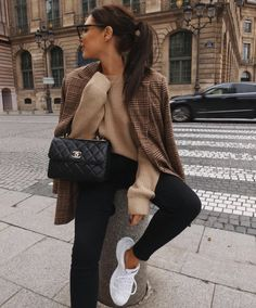 Le Fashion: Wear This Classic, Chic Look on Repeat Simple Winter Outfits, Best Casual Outfits, Winter Fashion Outfits, Summer Dress Outfits, Sport Outfits, Fall Outfits, Autumn Fashion, Cute Outfits, Fashion Clothes