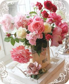 * Schlaflos in NRW *: gorgeous bouquet My Flower, Pretty Flowers, Fresh Flowers, Flower Power, Pink Flowers, Colorful Roses, Beautiful Flower Arrangements, Floral Arrangements, Beautiful Bouquets