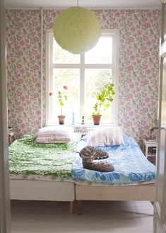 pastel bedroom - love the wallpaper