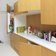 A cube in the loft to separate spaces // Un cube pour séparer les espaces cuisine et salon | More photos http://petitlien.fr/6wb0