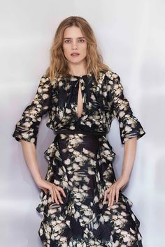 Los vestidos de primavera de H&M te solucionarán tu look de boda   http://stylelovely.com/galeria/hm-conscious-vestidos-de-primavera-2017/