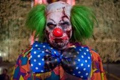 Hey there Horror Fans! Got a inkling for a scary clown movie? Do creepy clowns freak you out? Le Clown, Clown Mask, Creepy Clown, Scary Scary, Insane Clown, Halloween Clown, Halloween Make Up, Halloween Ideas, Halloween Costumes