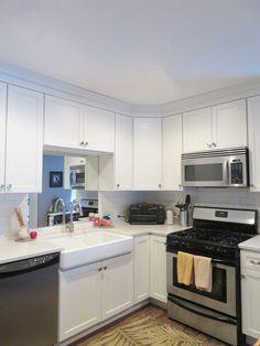 Straight Line Design – Kitchen and Bath Studio Kitchen And Bath Design, Kitchen Reno, Kitchen Layout, Kitchen Designs, Kitchen Cabinets, Homecrest Cabinets, Small White Kitchens, Straight Line Designs