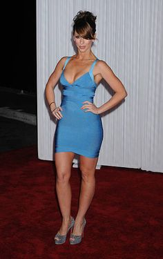 """Actress Jennifer Love Hewitt arrives to the """"Ghost Whisperer"""" Cute Dress Outfits, Sexy Dresses, Cute Dresses, Jennifer Love Hewitt Pics, Jennifer Lopez, Jennifer Amor, Hot Country Girls, Sexy Legs And Heels, Brunette Beauty"""