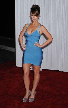 "Actress Jennifer Love Hewitt arrives to the ""Ghost Whisperer"" Jennifer Love Hewitt Pics, Jennifer Lopez, Jennifer Amor, Hot Country Girls, Sexy Legs And Heels, Brunette Beauty, Celebs, Celebrities, Celebrity Crush"