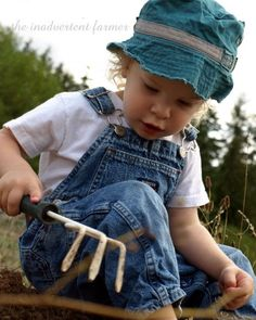 Gardening with Children- tips, tricks, fun ideas and activities, and MORE!
