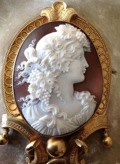 ۞ ۩  Gorgeous Shell Cameo Brooch of a Bacchante Maiden _ A Theme from the Ancient Greek Culture .