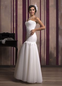 5062d1568a Krásne svadobné šaty v štýle morská panna s tylovou sukňou Stylus