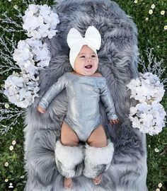 Cute Little Baby, Cute Baby Girl, Baby Girl Newborn, Baby Baby, Cute Kids Fashion, Baby Girl Fashion, Fall Baby Pictures, Book Bebe, Cute Babies Photography