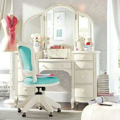 This is my dream vanity. It would fit all of my makeup perfectly.