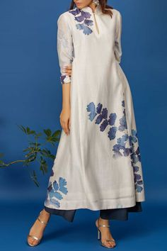 Shop Anju Modi Chanderi Printed Kurta Set , Exclusive Indian Designer Latest Collections Available at Aza Fashions Indian Fashion Dresses, Indian Outfits, Fashion Outfits, Stylish Dresses For Girls, Stylish Dress Designs, Kurta Neck Design, Indian Designer Suits, Kurta Designs Women, Kurti Designs Party Wear