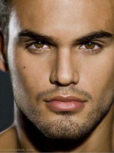Oh those luscious lips!  Those golden brown eyes!  Leonardo Corredor by David Vance