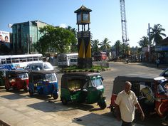 Tuk Tuks, Tangalle, Sri Lanka (www.secretlanka.com)