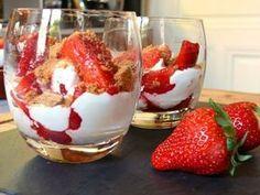 Verrine fraise mascarpone : Découvrez notre recette de Verrine de mascarpone aux fraises. - Recettes de cuisine de A à Z