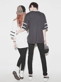 Cute ullzzang couple paired with cute couple shirts. Awwwww so sweet.