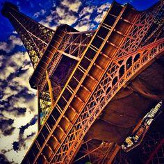 Effeil Tower - Paris - Amazing pic !!