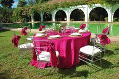 Www.laorganizadoradesuenos.com #Decoración mesas. #bodas #catering #haciendas #sevilla