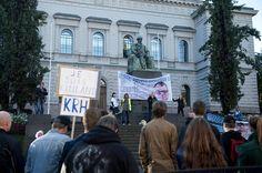 Rajat kiinni -mielenosoituskulkue päätyi Säätytalolle ja Suomen Pankin eteen pitämään puheita