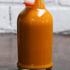 Here's what you need: habanero pepper garlic olive oil carrot onion salt water lime juice white vinegar Habanero Recipes, Hot Sauce Recipes, Boss Sauce Recipe, Habanero Ideas, Hot Pepper Recipes, Sriracha Sauce, Chili Recipes, Mexican Recipes, Vinegar