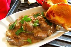 Creamy Chicken Livers Jam Recipes, Cooking Recipes, Delicious Meals, Yummy Food, Chicken Liver Recipes, Clean Chicken, Chicken Livers, Breaded Chicken, Creamy Sauce