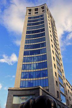 OVIEDO / Edificio La Jirafa