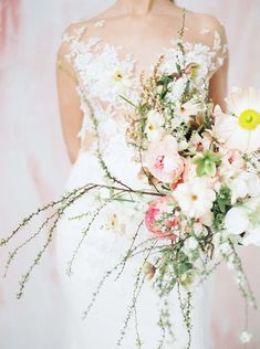 The Prettiest Inspiration For A Colourful Micro-Wedding Beautiful Bouquets, Color Pop, Designer Dresses, Backdrops, Things To Come, Magazine, Bride, Wedding Dresses, Pretty