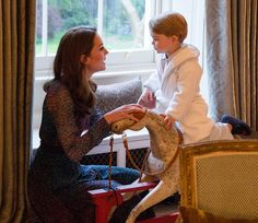The President and his family sent the newborn Prince George a stunning handmade rocking ho...